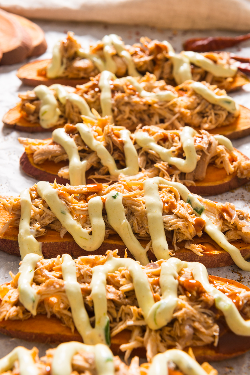 Sweet Potato Toasts with Buffalo Chicken & Avocado Ranch | thespiceathome.com