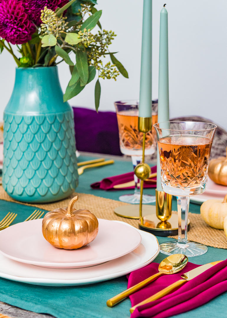 How to set a colorful modern and warm Thanksgiving table setting  sc 1 st  the Spice at Home & A Thanksgiving Table Setting u2013 the Spice at Home