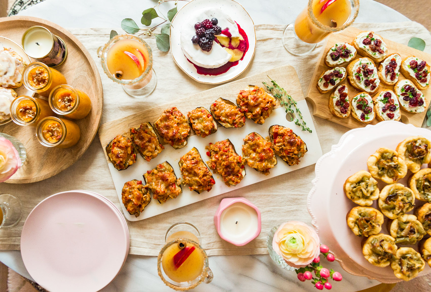 Hosting Thanksgiving this year in your tiny condo? This Friendsgiving styled table includes mini-savory bites to help save space and an all-veggie menu to cater to your vegetarian friends!