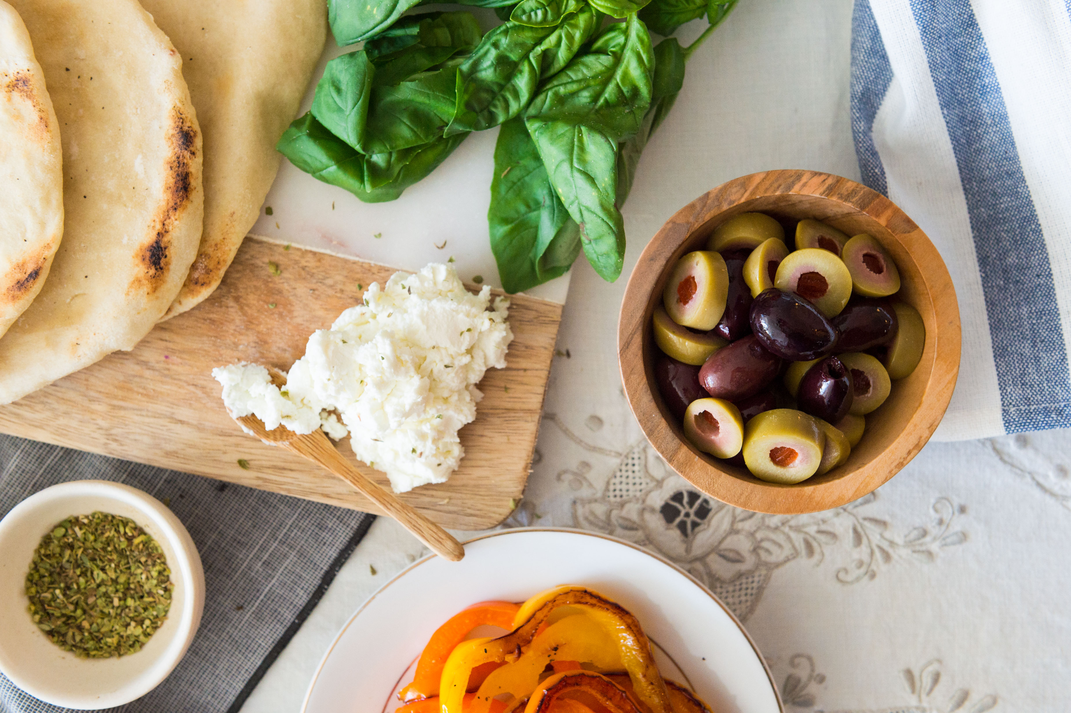 Greek flatbread the spice at home who doesnt love a good flatbread for your next dinner party give forumfinder Images